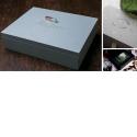 LE COFFRET FOLIO ULTIME - <ul> <li>Coffret Folio de luxe et sac cadeau</li> <li>20 passe-partout biseautés à ouvertures</li> <li>Formats de tirages : 18x25, 20x25 et 20x30</li> <li>8GoMémoire Flash USB clé 16 Go également disponible</li> </ul>